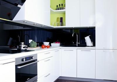 Jak urządzić małą kuchnię? ABC kuchennej aranżacji