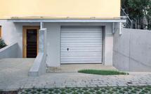 Wymiana bramy garażowej. Nowa brama segmentowa