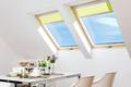 Nowoczesne okna dachowe. Jak urządzić komfortowe, dobrze doświetlone poddasze?